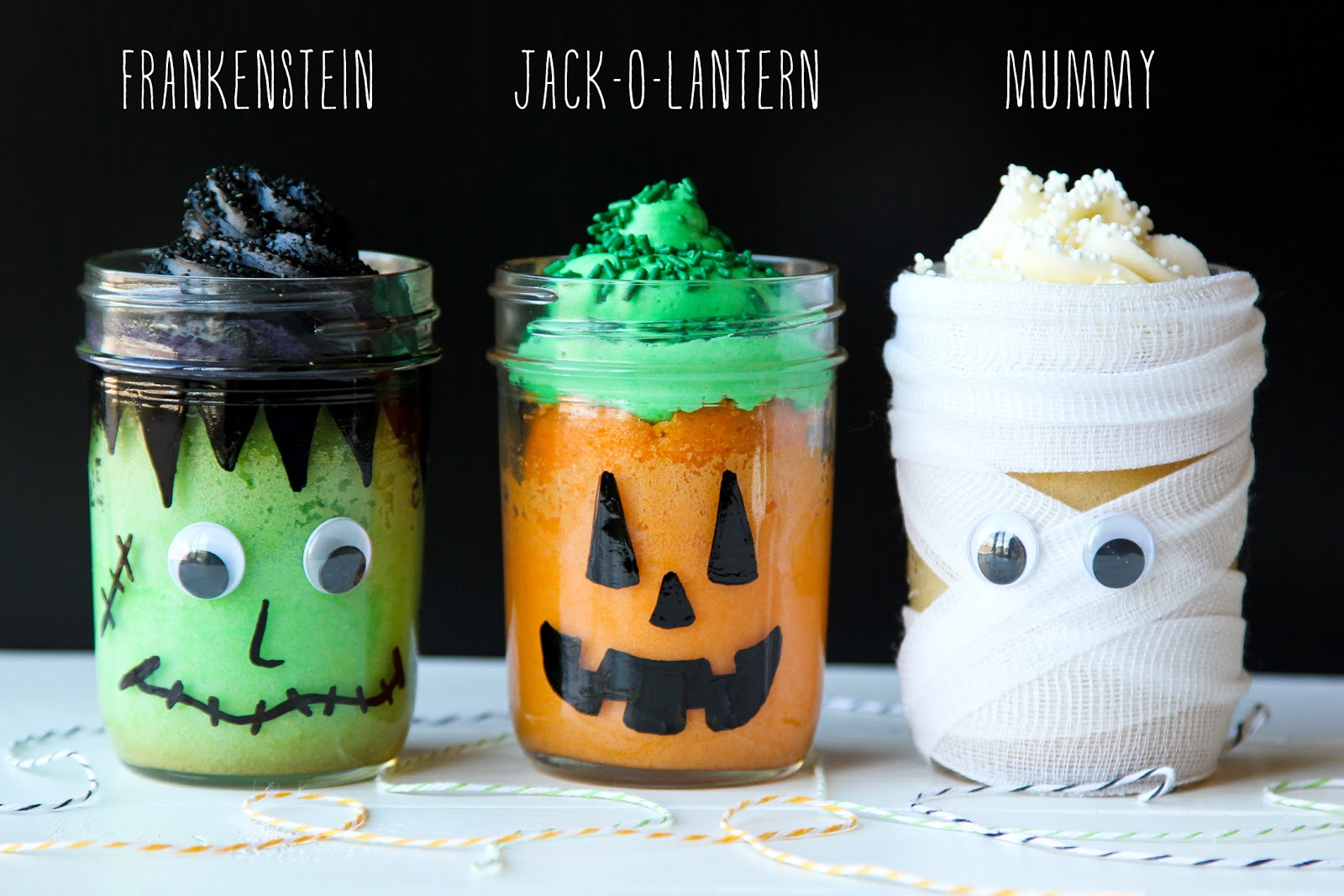 Halloween Mason Jar Mini Cakes