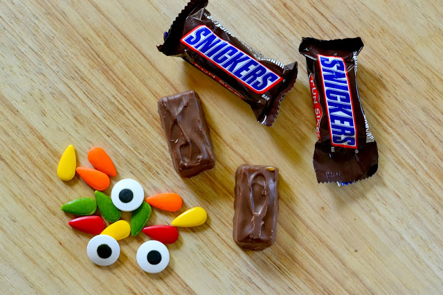 Halloween Snickers and Candy Decorations