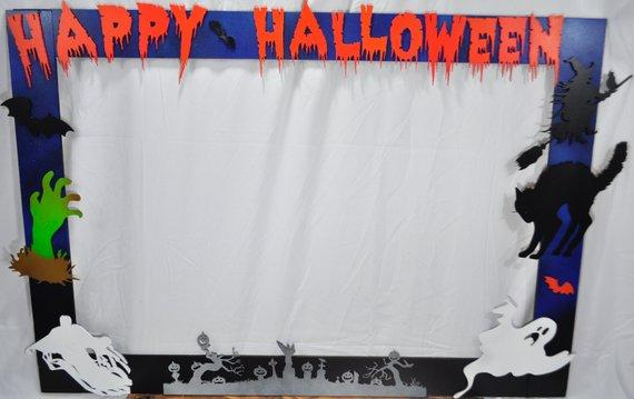 Make A Halloween Photobooth