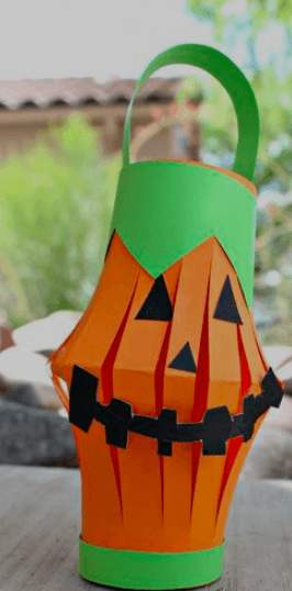 This cute toilet paper roll pumpkin lantern takes just a few minutes to put together and gives kids a great opportunity to practice their cutting skills.