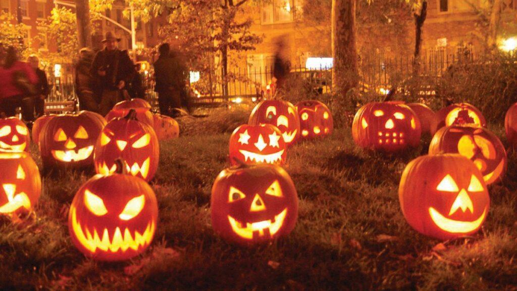9 Awesome Halloween Decorations for 2021
